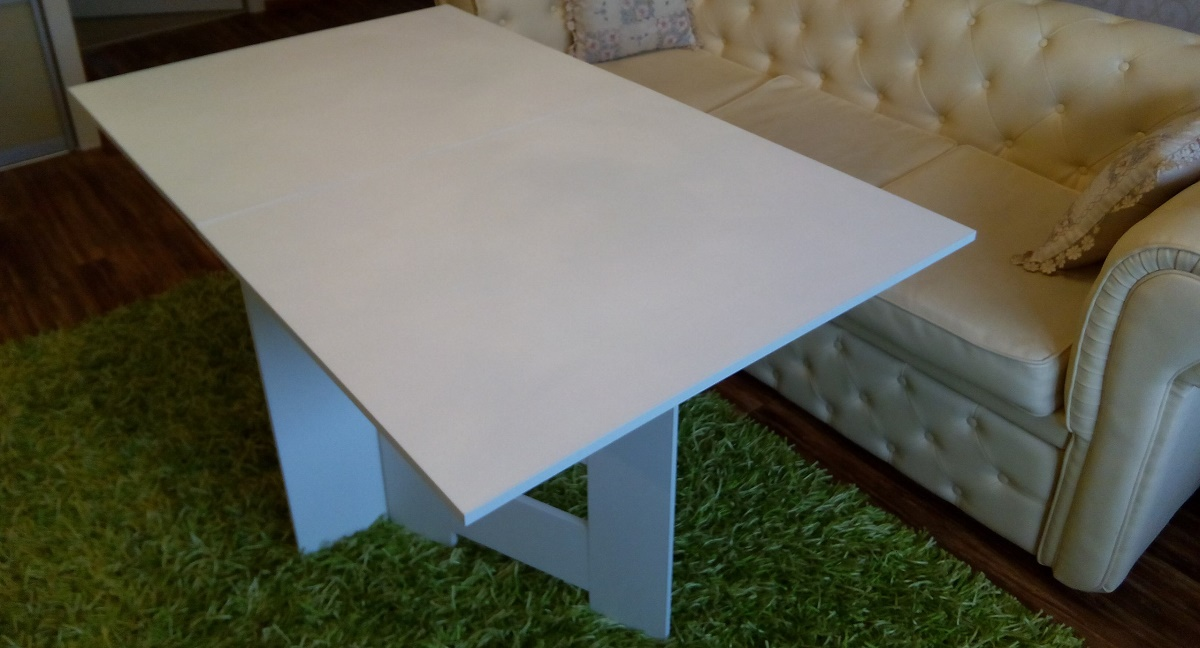 ТОП-3 компактных раскладных столов-книжек