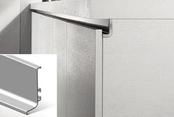 Стоит ли делать фасады на кухне без ручек? Отзывы, плюсы и минусы